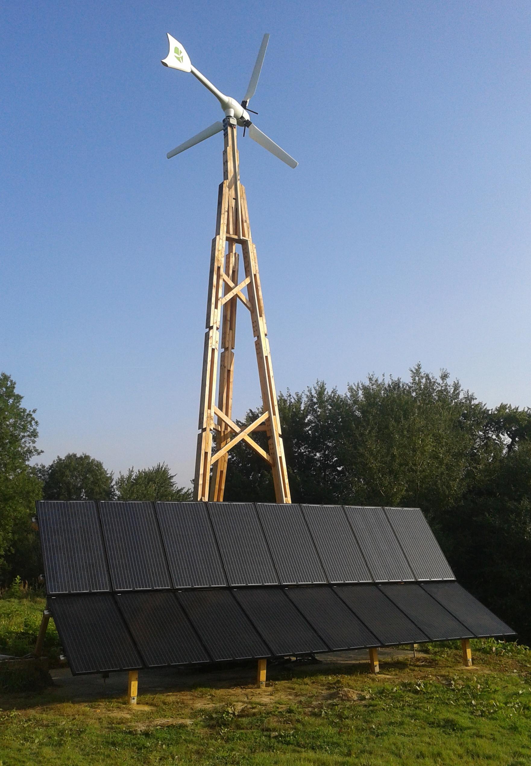 Installation éolienne bois + photovoltaïque
