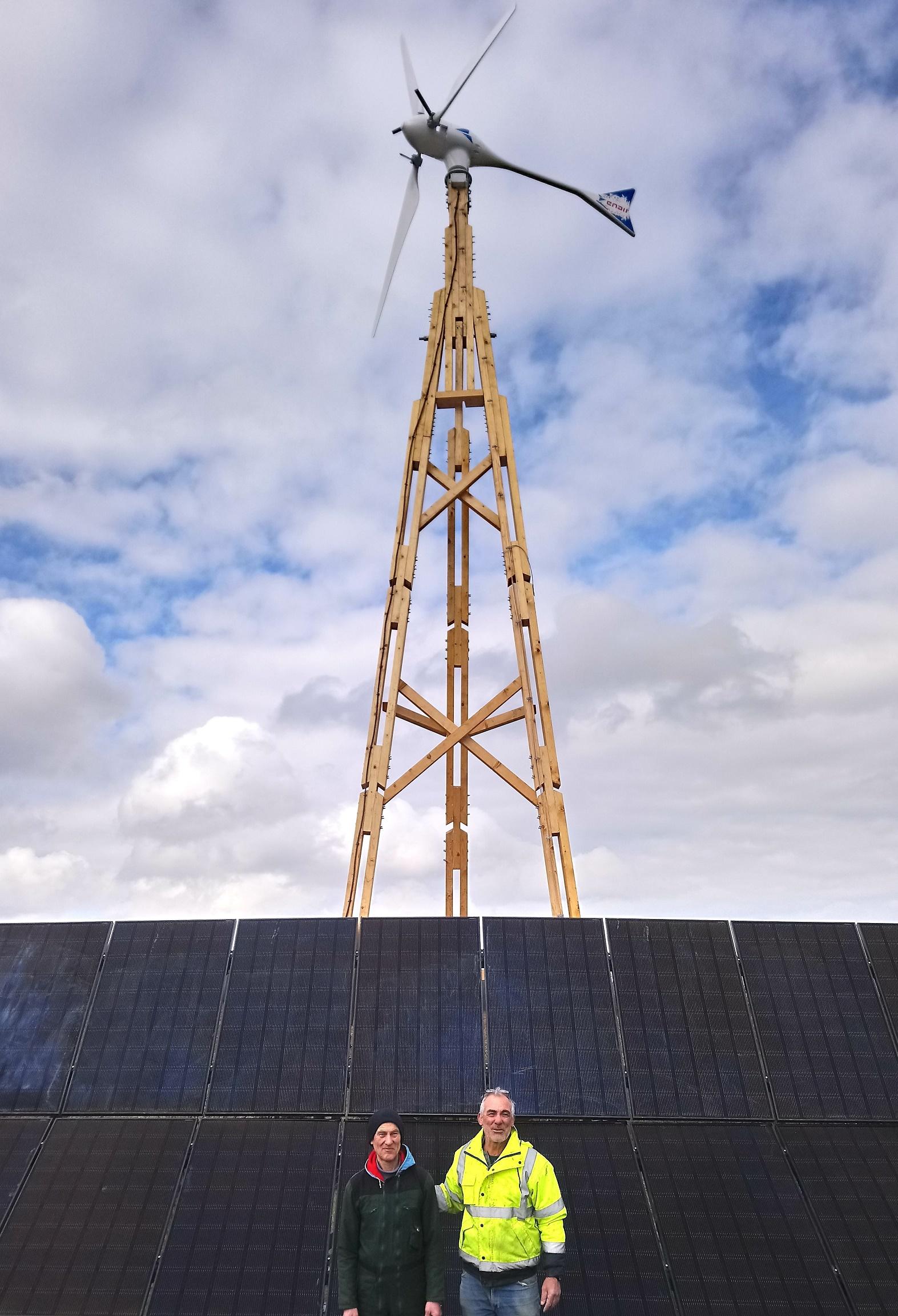 Eolienne bois photovoltaïque 62