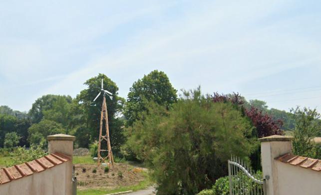 Clos de Tournes éolienne